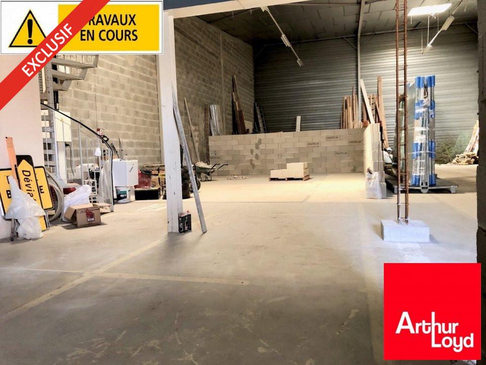 LOCAL D'ACTIVITE - ENTREPOT à Louer à VAUX LE PENIL-77